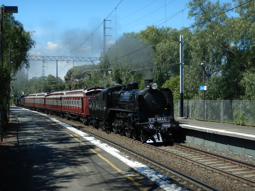 A2 986 & restored tait set and K153 at strathmore 11/11/2017 by roreeves