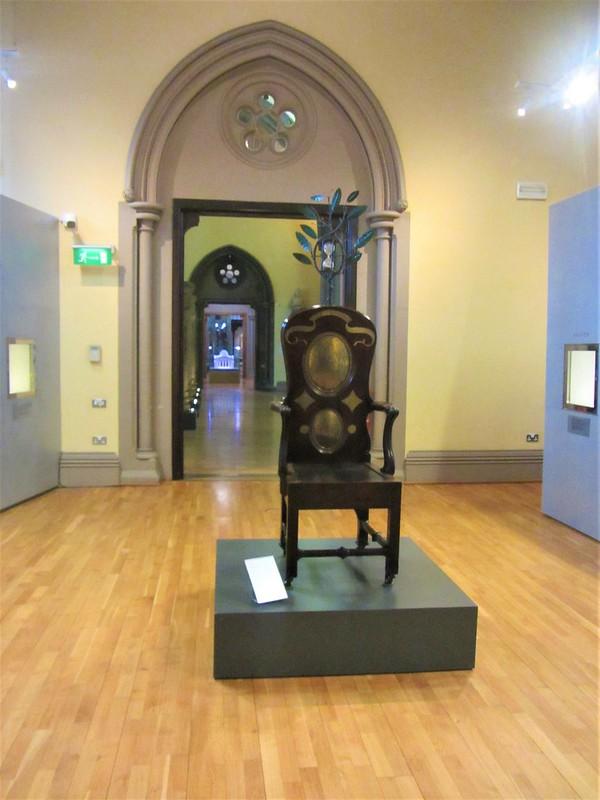 glasgow-ecosse-hunterian-museum-the-blackstone-chair-university-of-glasgow-thecityandbeauty.wordpress.com-blog-voyageIMG_9491 (2)