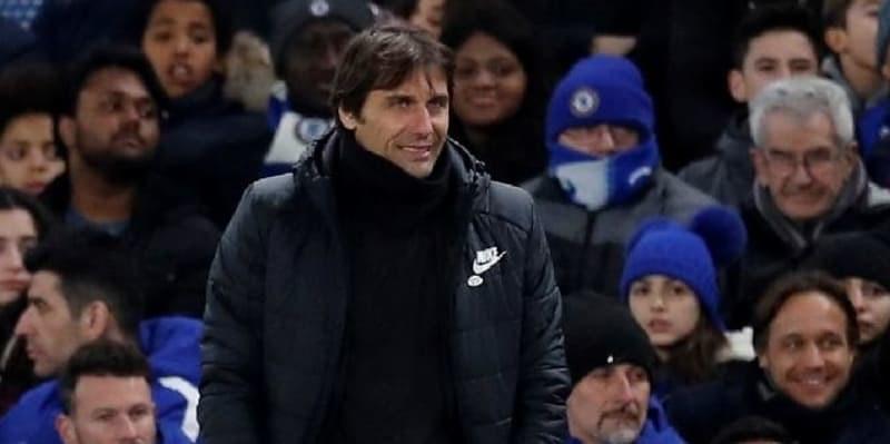 Gary Neville Yakin Kalau Conte Tidak Akan Jadi Pelatih Chelsea Musim Depan
