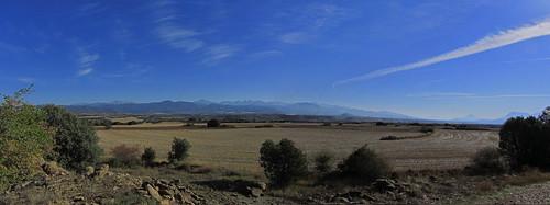 20121001 33 247 Jakobus Pyrenäen Berge Bäume Felder_P01