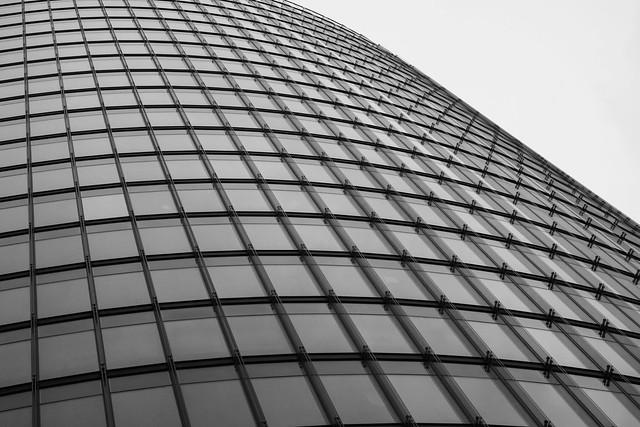 Storefront (#28 - black&white), Panasonic DMC-GX7, LUMIX G VARIO 14-42/F3.5-5.6 II