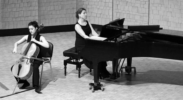 """MONTSERRAT EGEA, CELLO & AMAIA ZIPITRIA, PIANO - CICLO JUVENTUDES MUSICALES - ÁREA DE ACTIVIDADES CULTURALES DE LA UNIVERSIDAD DE LEÓN - AUDITORIO """"ÁNGEL BARJA"""" DEL CONSERVATORIO DE LEÓN 13.3.18"""