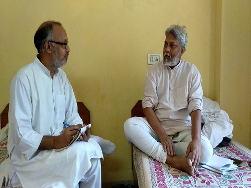 जलपुरुष राजेन्द्र सिंह के साथ लेखक अरुण तिवारी