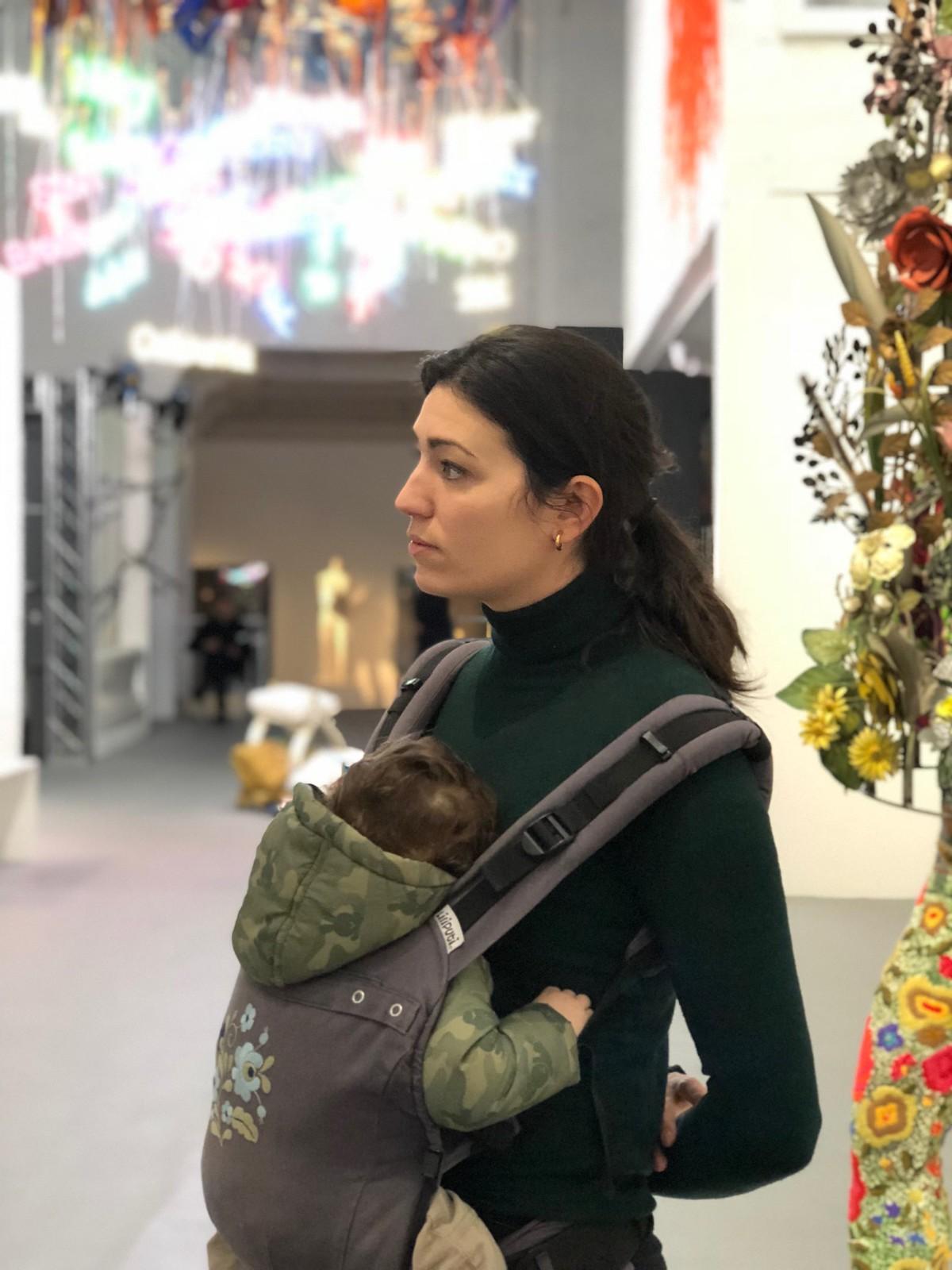 Visitando el Museo de Arte Contemporáneo en Bruselas