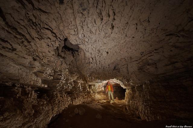 Guy dans la Grotte de l'Hermitage - Vaucluse
