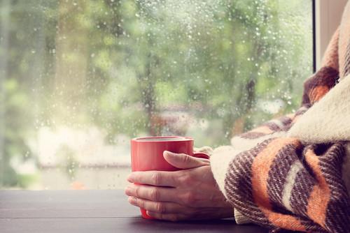 5 Manfaat Minum Air Hangat Yang Tidak Terduga