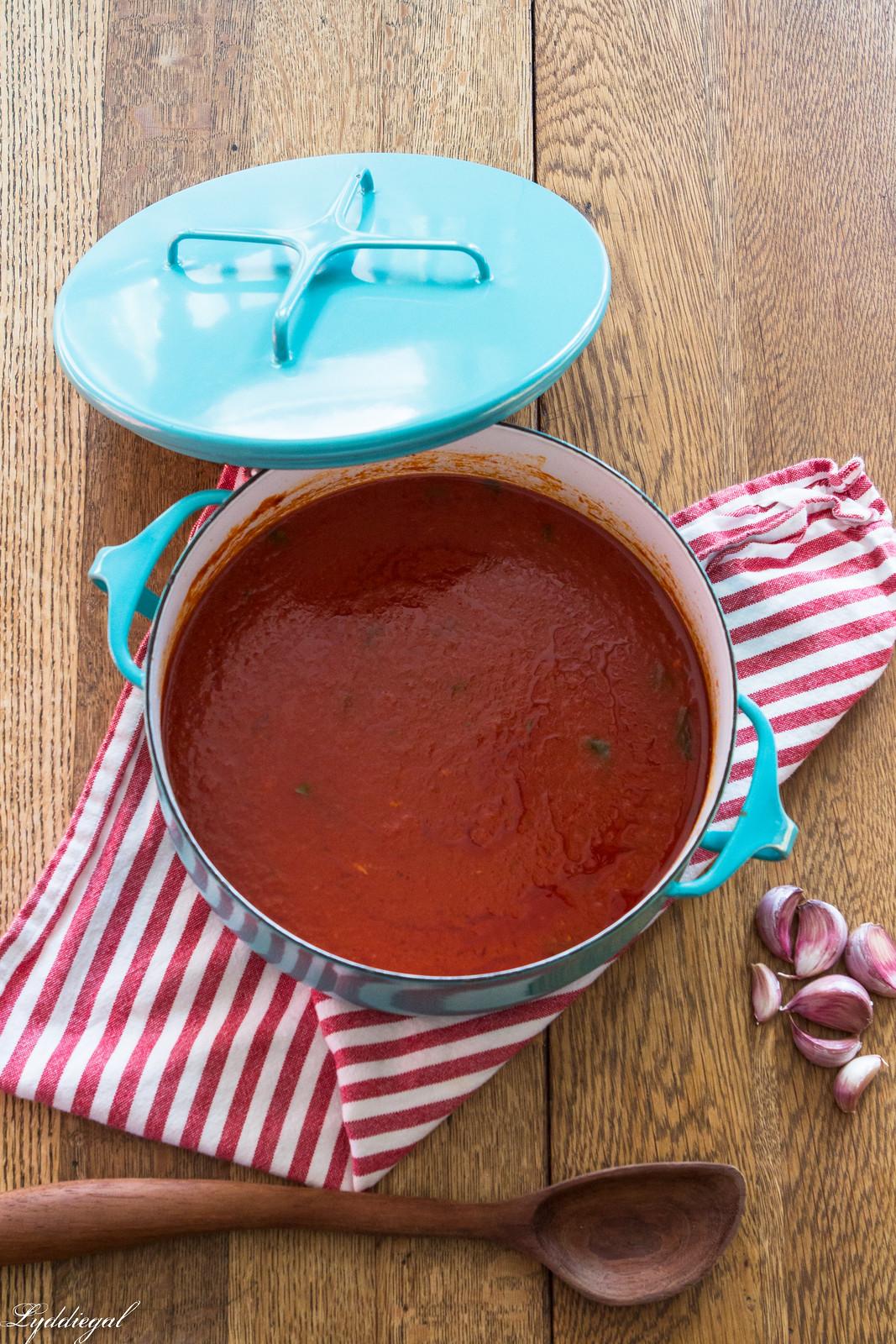 Italian Tomato Sauce Recipe-7.jpg