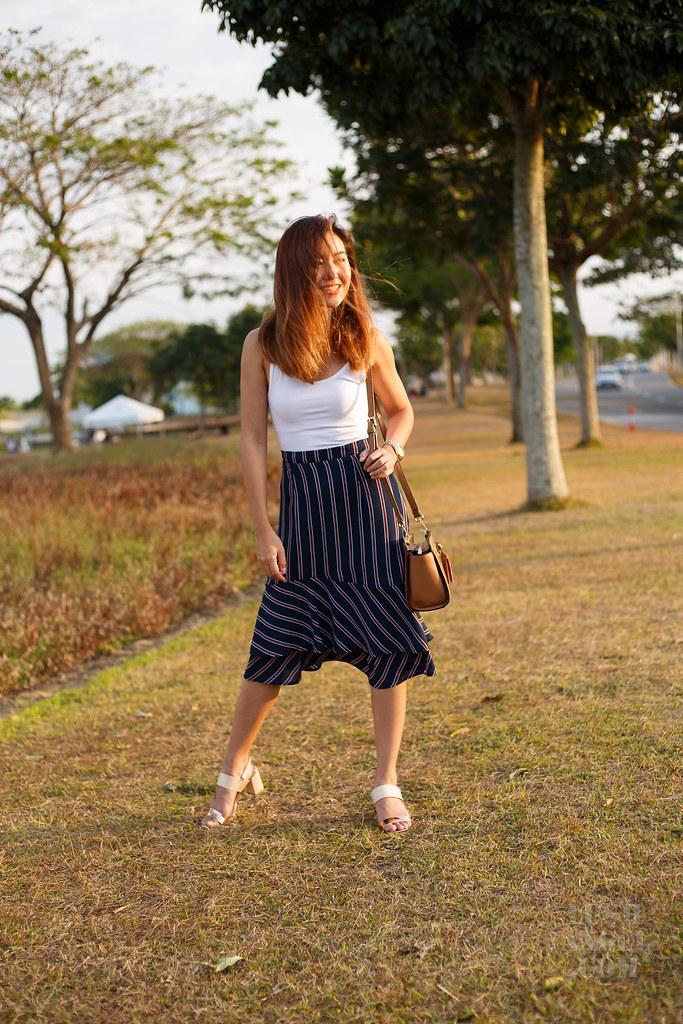 stripe-skirt-fashion