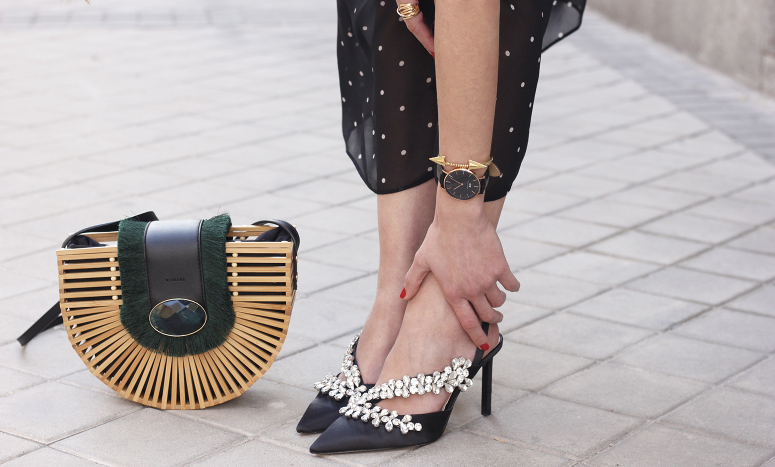 polka dot dress uterqüe jewel heels denim jacket outfit street style bamboo bag12