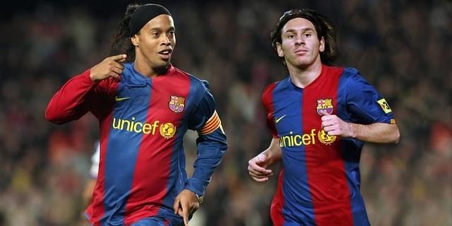 Ronaldinho Akan Tinggalkan Barcelona,Dan Bukan Lionel Messi Penyebabnya