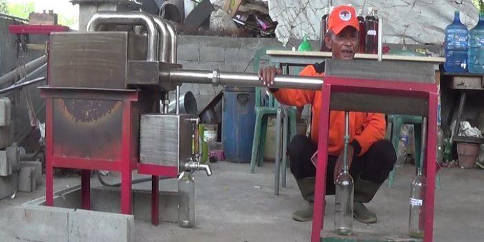 Walau Lulusan SD, Bapak Ini Mampu Hasilkan Mesin Canggih. Inilah Alatnya….
