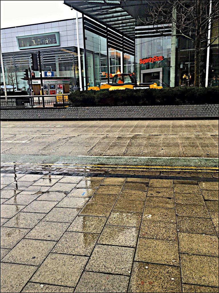 kingston upon hull chat Kingston upon hull, usually abbreviated to hull, is a city and unitary authority in the east riding of yorkshire, england it lies upon the river hull at its confluence with the h.
