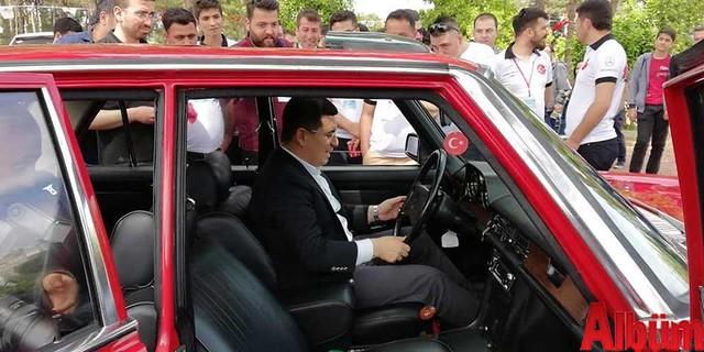Klasik Mercedes tutkunları Antalya'daydı -2