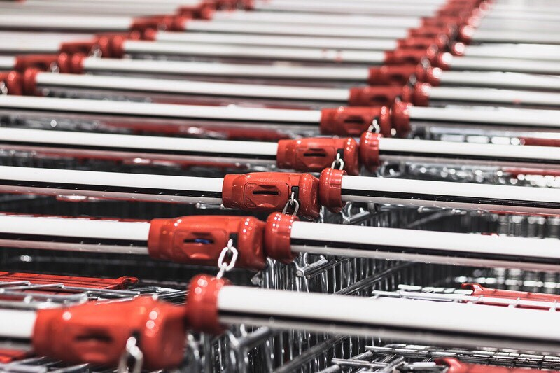Shopping Cart by Alexandru Tugui on Unsplash | Hola Darla