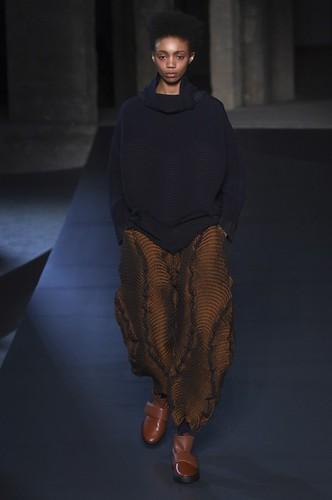 Issey Miyake Womenswear Fall/Winter 2018/2019 08