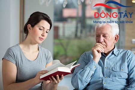 Quan sát và ghi lại tình trạng bệnh sẽ giúp bác sĩ nắm rõ thông tin hơn về người bệnh