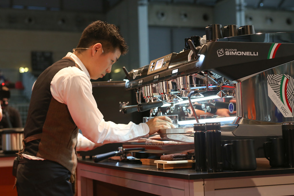 May Espresso Nuova Simonelli Aurelia T3 Su dung trong khi thi World Barista
