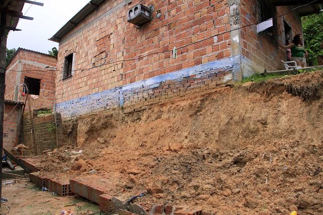 03.04.18 Queda de Muro no Jorge Teixeira 4