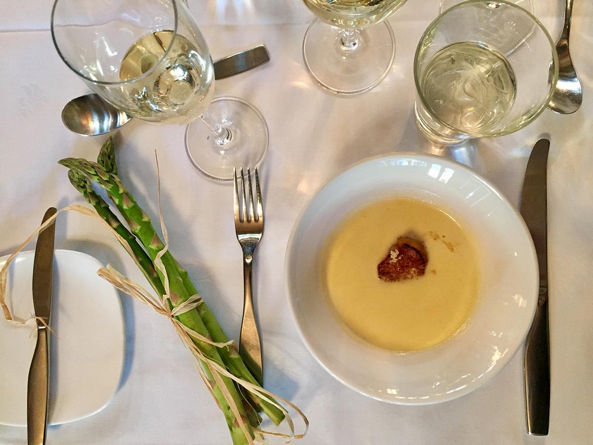 ravintola Kappeli parsakeitto