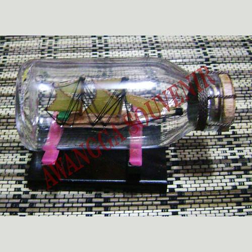miniatur kayu kapal botol