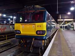 92010 5S95 at London Euston