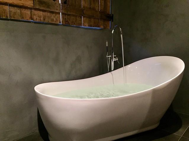 Betonstuc badkamer landelijke stijl