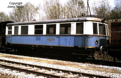 DE-94239 Gotteszell Bahnhof Triebwagen VT07 der Lokalbahn Lam-Kötzting / Regentalbahn (MAN 1939) im Mai 1982