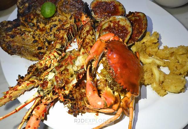 bali itinerary jimbiran seafood dinner