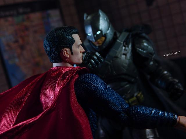 Batman v Superman Mafex 2 alternate angle