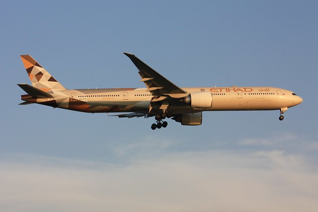 777-300ER  A6-ETD, Canon EOS 450D, Canon EF-S 55-250mm f/4-5.6 IS