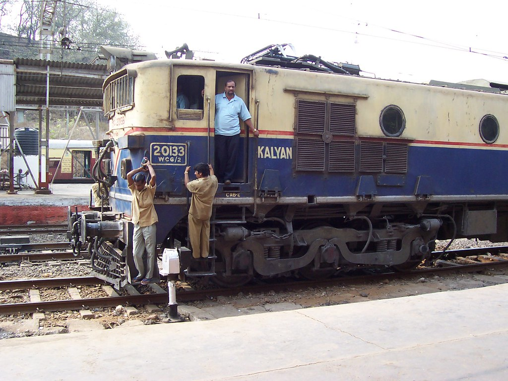 Indian Railways, hybrid engine - a photo on Flickriver