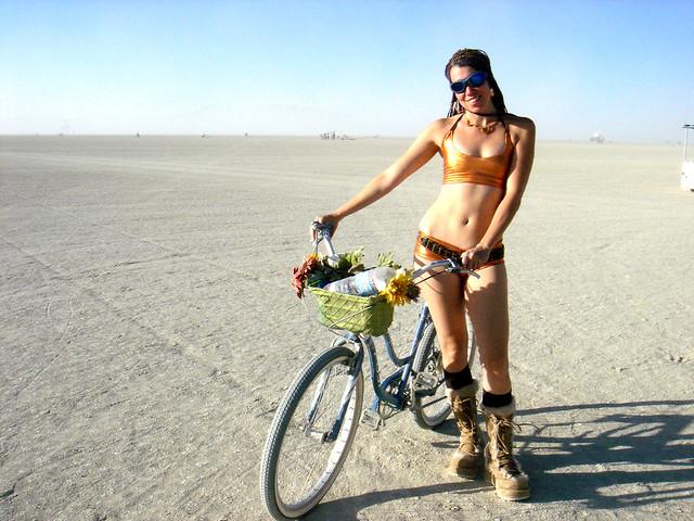 desert babe, Sony DSC-M1