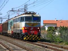 Treno merci, coming train