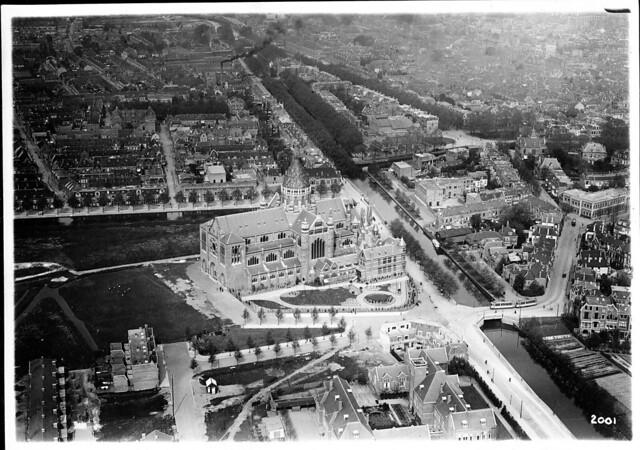 Haarlem, view of Kathedraal Basiliek St.-Bavo, 1920s