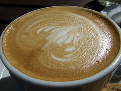 salep(0.0), atole(0.0), cappuccino(1.0), flat white(1.0), cup(1.0), coffee milk(1.0), caf㩠au lait(1.0), coffee(1.0), caff㨠macchiato(1.0), drink(1.0), latte(1.0), caffeine(1.0),