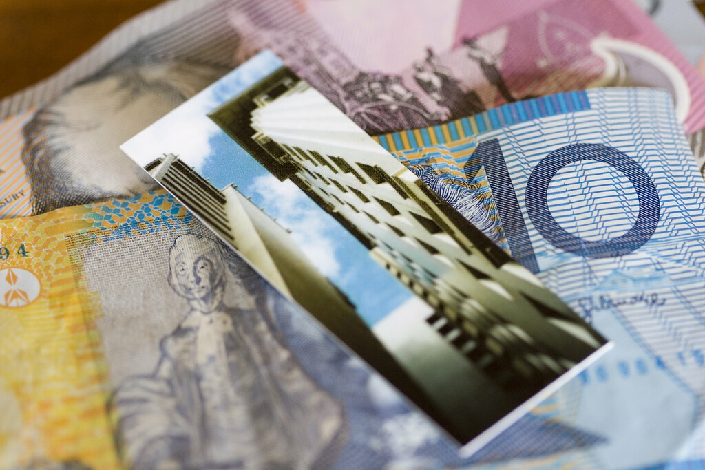 268008650 be27906066 b Do You Need to Open a Bank Account Before Moving to Australia?