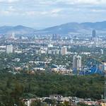 Six Flags y al fondo la Ciudad de México