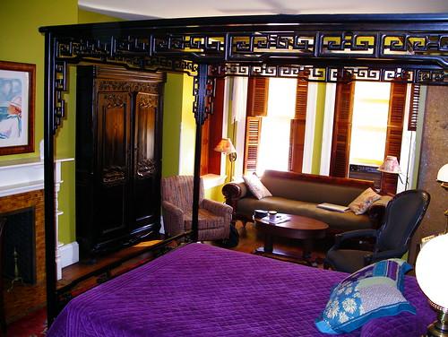 Tabbard Inn room