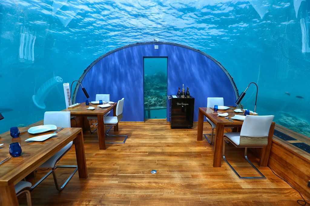 Maldives underwater restaurant 27