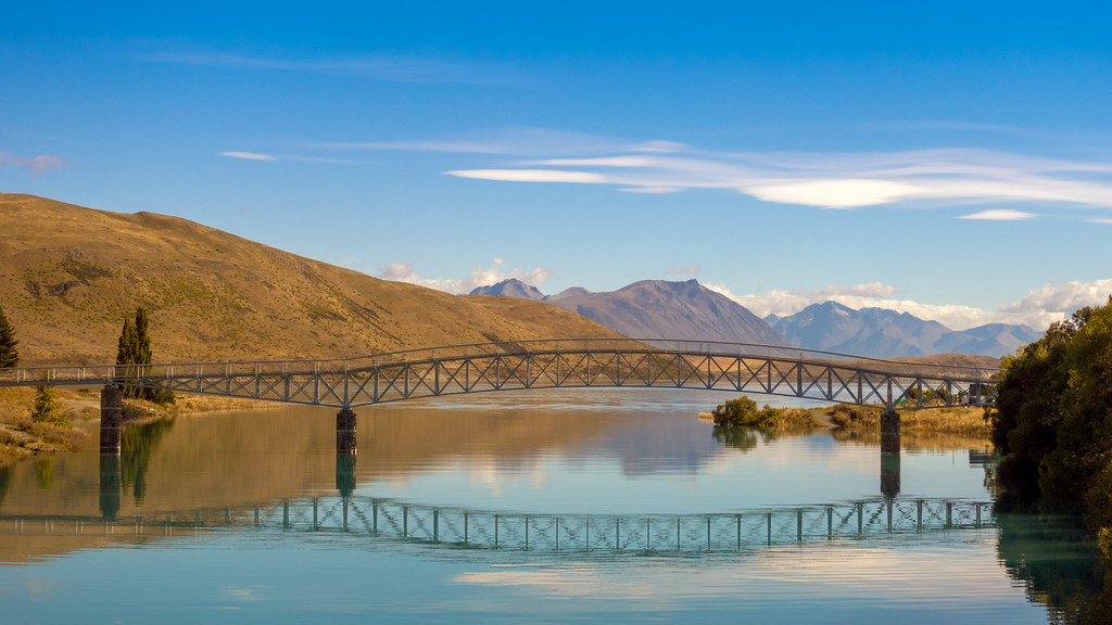 Lake Tekapo Footbridge