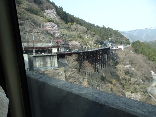 三峯神社のバス