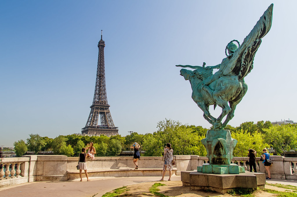 Balade sur Paris 39673854770_1302a81c69_b