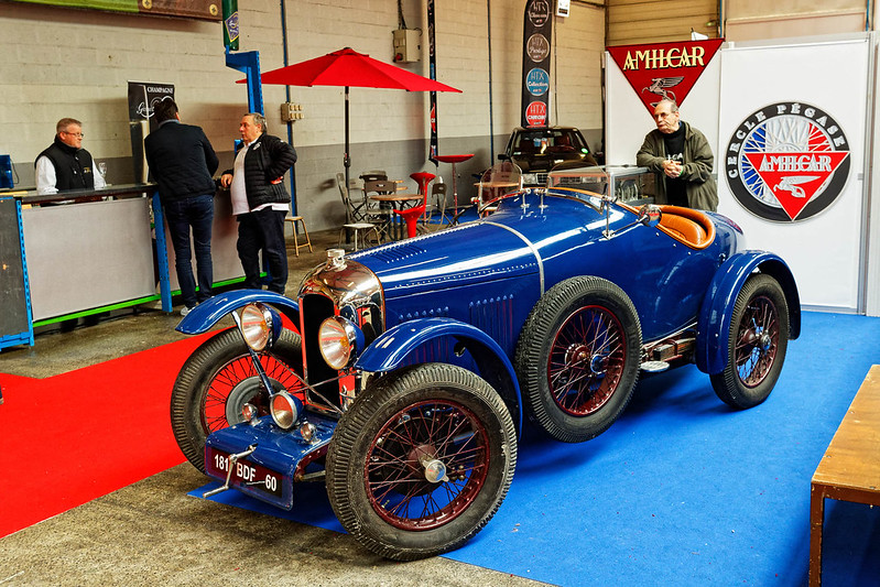 Les Renault du 31 ème Salon du Véhicule Champenois à Reims !  40110373645_821f1351b9_c