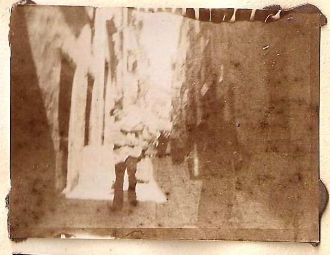 Una escena de una calle de Toledo en 1898. Anónimo Francés.