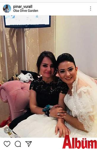 Pınar Vural, yakın dostu Çisem Kılınç'ın Club Olive Garden'daki düğün töreninden yaptığı bu paylaşımla beğeni topladı.
