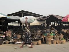 La vera capitale del Benin, Cotonou, e la strada per raggiungerla dal Ghana
