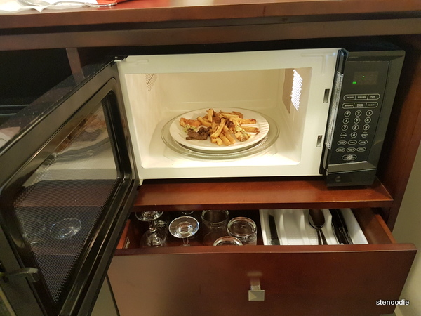 microwave in hotel room