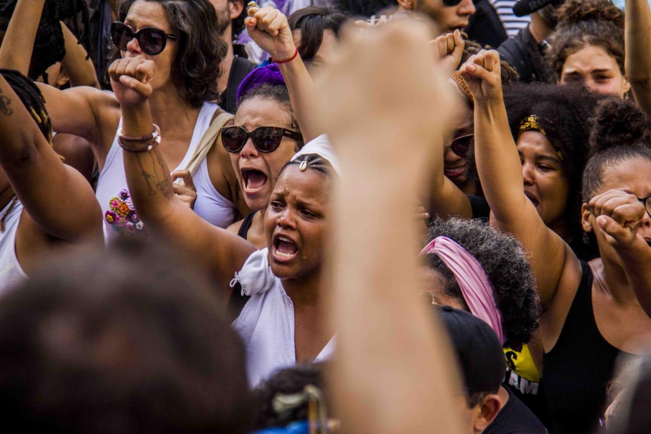 Neymar e Bruna homenageiam vereadora assassinada no Rio