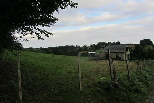 20120924 26 026 Jakobus Hügel Wald Wiese Wolken