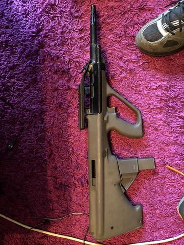 У Києві СБУ викрила міжнародне організоване угруповання торгівців зброєю